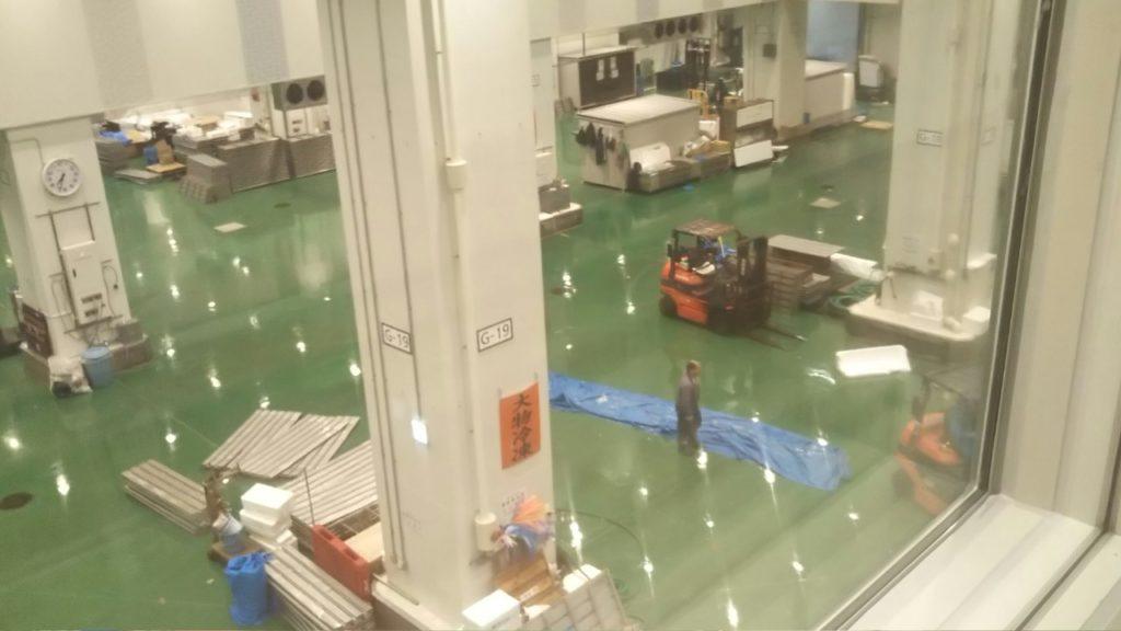 水産卸売場棟 マグロ