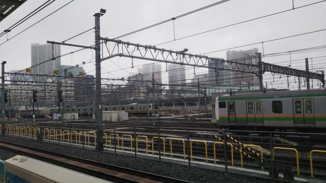 高輪ゲートウェイ駅ホームから観た京浜東北線