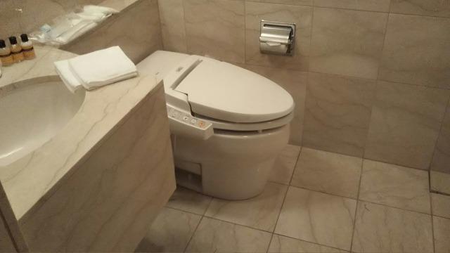 プレミアムホテル門司港のスイートのトイレ