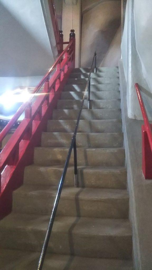 高崎観音の胎内の階段