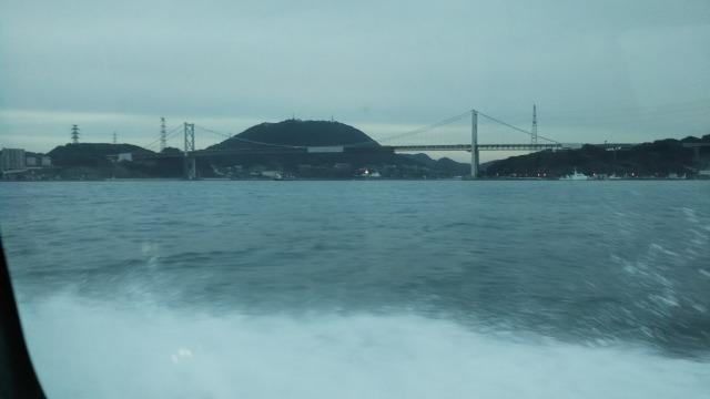 フェリーから見た関門橋
