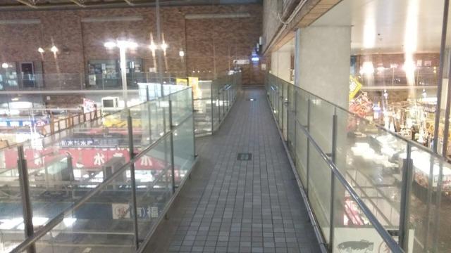 唐戸市場の二階