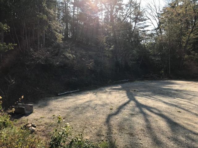 おおぐて湖キャンプ場のしらさぎ荘の林間エリア
