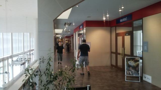kinociemaの通路