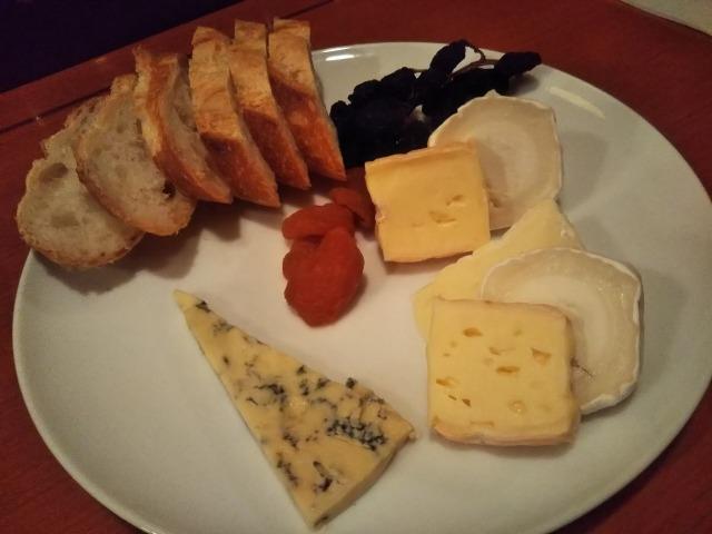 自分ツッコミくまのチーズの盛り合わせ