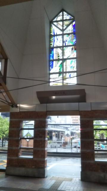 高田駅のステンドグラス