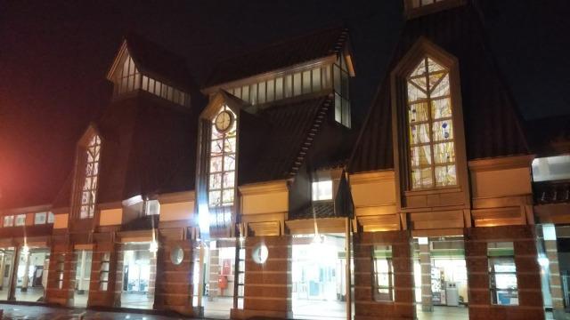 夜の高田駅