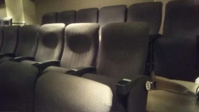 シネスイッチ銀座の座席