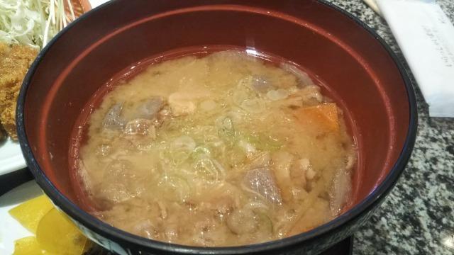 遊食豚彩いちにいさん 日比谷店の米麹甘酒漬け黒豚とんかつセット(ロース肉)