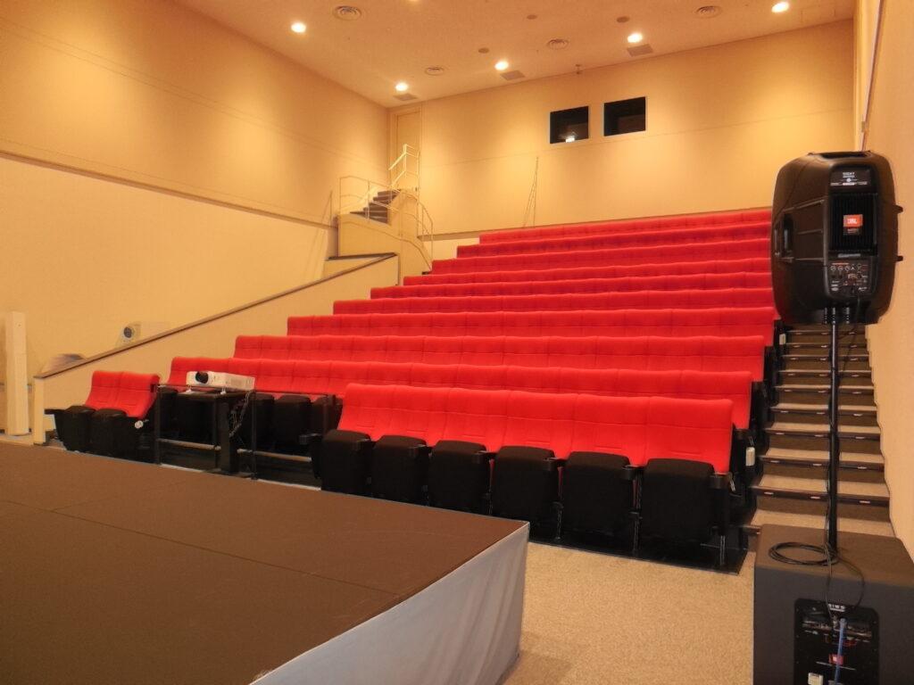 こうのすシネマの多目的ホール