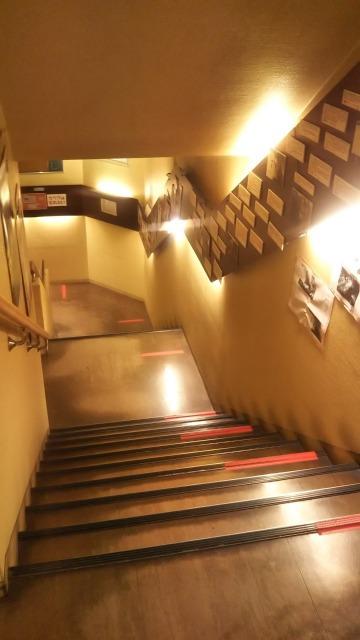 ポレポレ東中野の階段