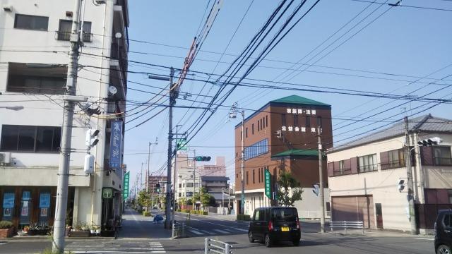 栗林駅前の道路